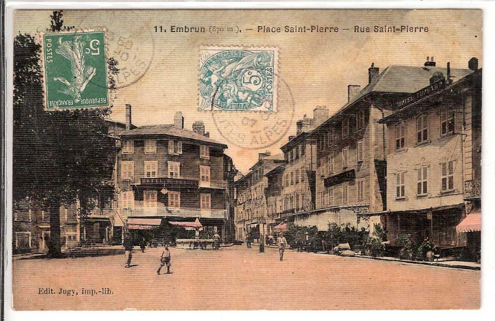 Place Saint Pierre rue Saint Pierre